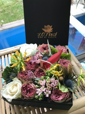 LOTUS KING OF GARDEN GIFT BOX 「花手箱」