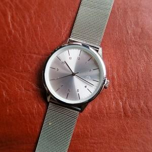 CHPO RAWIYA SILVER silver metal dial. metal mesh wristband.