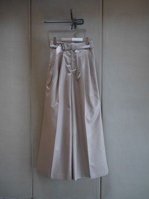 HYKE / CHINTZ FINISH WIDE PANTS  (BEIGE)