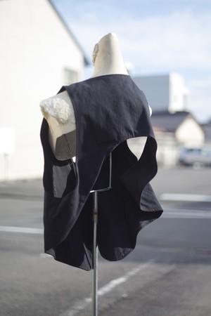 Ladies' / cotton VEST with an open back