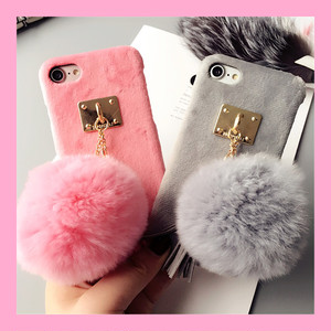 ポンポン ファー タッセル付 iPhone case