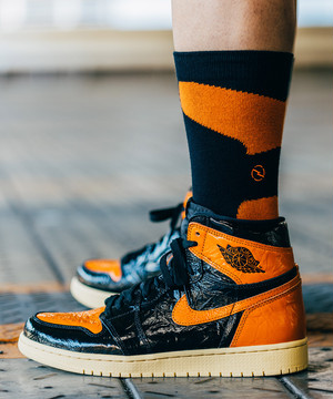 "AJ SOCKS 1 ""WAVY"" BLACK ORANGE"