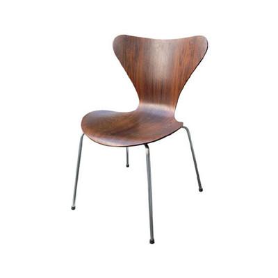 BASEで見つけたこだわりの椅子を5つご紹介