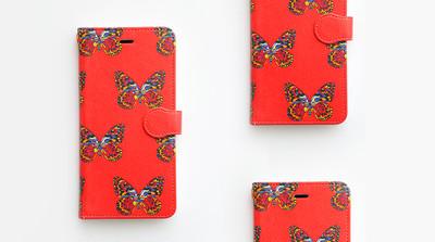 シンプルな作りと総柄がキュート!!昆虫柄iPhoneケースのご紹介!