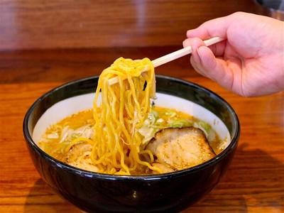 東京ラーメンショーで最優秀賞に輝いたNo.1の黄金麺