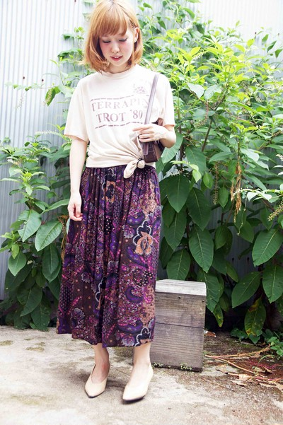 春到来!花柄ロングスカートで春らしいオトナ女子コーデを!