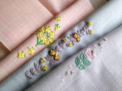 手刺繍の小物を製作しています