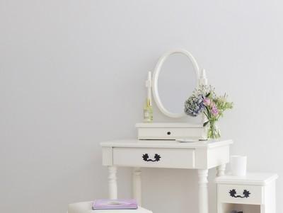 Drape家具シリーズはいかにしてつくられたか② 白い家具はお好きですか?編。