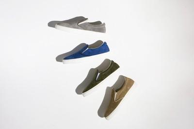 楽ちんスリッポンは何色だって欲しい!脱ぎ履きが楽なのはもちろん、魅力は存在感と履き心地!