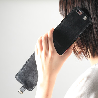 ブライドルレザーが上品さをアップ↑大人可愛い縦型フリップiPhoneケース♡