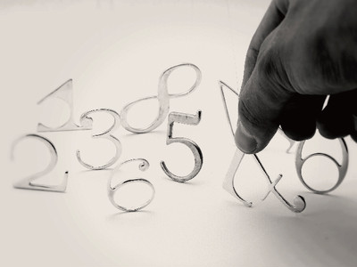 印刷時代を大きく変えた、数字がそのままリングになりました。