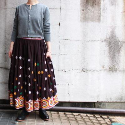 ヴィンテージ グジャラート刺繍のロングスカート