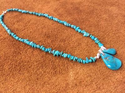 父の日の贈り物にも。美しいブルーのターコイズネックレス