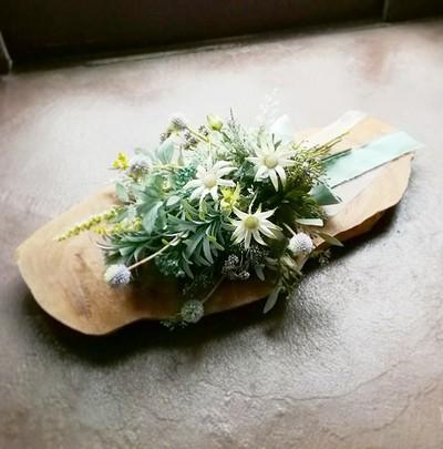 海外ウェディングに持っていける 自然派 植物スタイルのウェディングブーケ&ブートニア