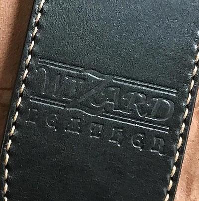 栃木レザー製の高品質な革を使用した手縫いのギター・ストラップ
