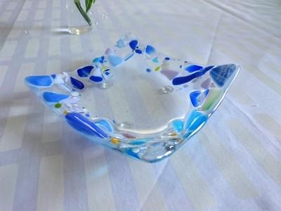 北欧フィンランドのガラスデザインプレート