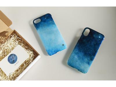 世界に一つの夜空をお手元に。 「夜空の贈り物」というスマートフォンケースです。