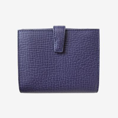 タイムレスな美しさを湛えるLOEWEの2つ折り財布