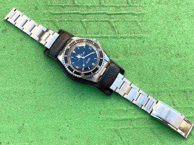MWM 別注腕時計台座の取り付けバージョンのご紹介