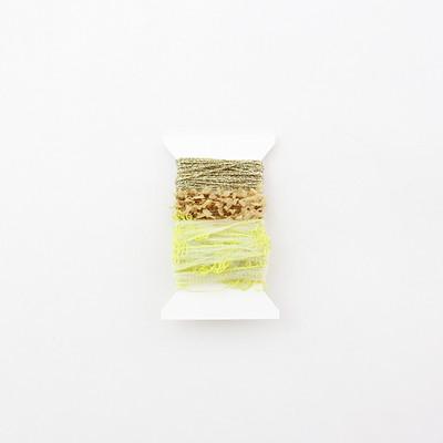 ハンドメイドアクセサリーに!簡単に編める【輪っかのモチーフ】の作り方と毛糸。