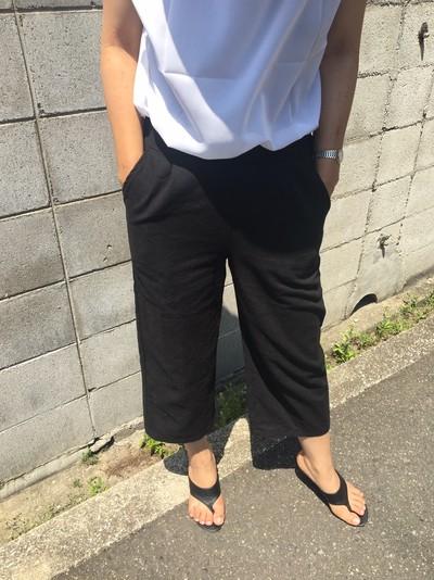 """夏に大活躍の""""cotmton linen croppedpants"""""""