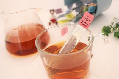 これ何が入ってるの?おしゃれなパッケージの中身はスティック型の紅茶です♡