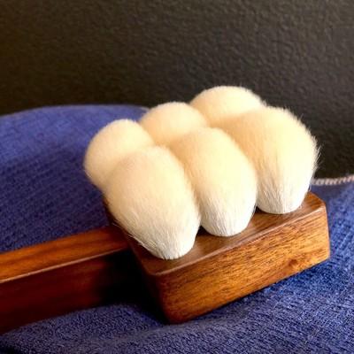 最高の泡立ちと肌触り!贅沢なバスタイムが過ごせる高級山羊毛のボディブラシ