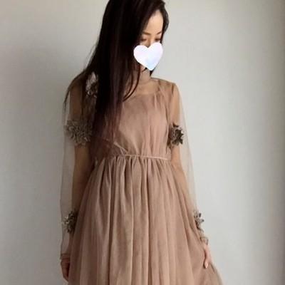 カジュアルなブライズメイドドレスに。フラワーモチーフワンピース