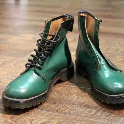 """""""靴の聖地""""ノーザンプトンで作られた名門中の名門ブランドのデッドストックブーツ"""