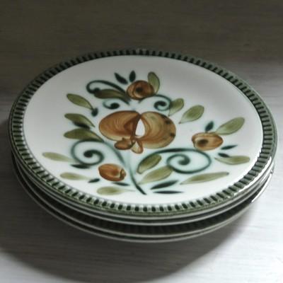 ベルギーBOCH(ボッホ)からザクロ柄が素敵なビンテージ デザート皿