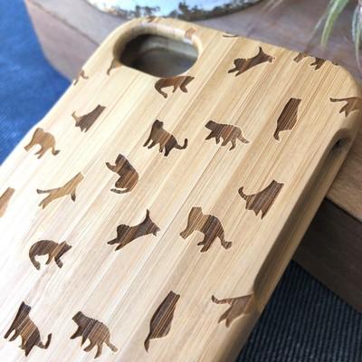 色んなしぐさをしている猫シルエットが可愛い♪天然木のiphoneケース