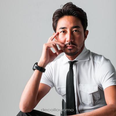 【日本製デッコーロウォモの新たな改革】知的・清潔・モダン・洗練された大人の半袖シャツ