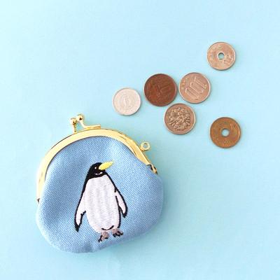 お子様のはじめてのお財布にも♪コロンと可愛いペンギン刺繍のがまぐちポーチ