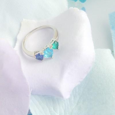おとぎばなしのお姫様、本日はピュアな人魚姫のハートをイメージしたリングのご紹介です☆