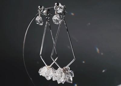 《万能アクセ》煌めくハーキマーダイヤモンドの2wayイヤリング