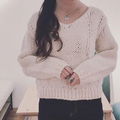 ペルーで1つ1つ手編みで作られたウール100%のざっくりニット*