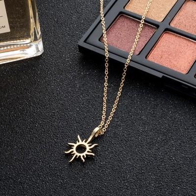 【胸元で太陽が輝く♪】 太陽モチーフネックレス 【シンプルで細身のネックレスで華奢見せ♡】