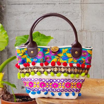 色鮮やかな刺繍に一目惚れ♡世界を旅した小さなカバン。