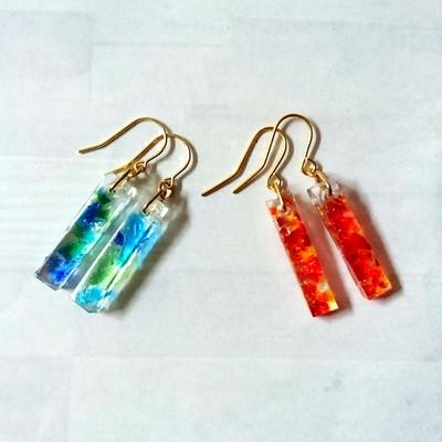 夏にピッタリ!透明感のある涼しげな琉球ガラス×レジンのスティックピアス