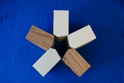 隠すだけじゃない、見せても便利な「ティッシュボックスアンダーザテーブル」。様々な設置例をご紹介♬