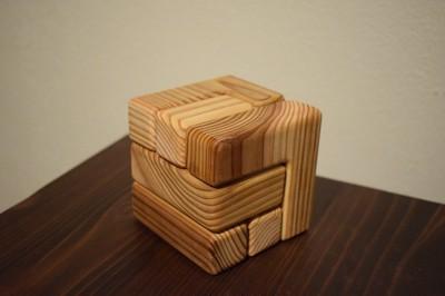 琉球木仕様の天然の木にふれるパズル
