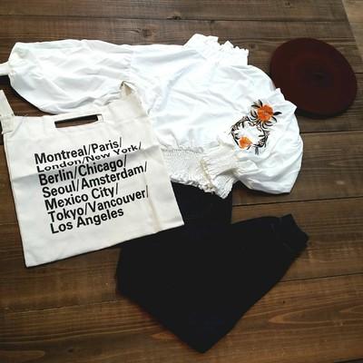 袖ボリュームスリーブボタニカルな花柄刺繍*レトロブラウス♪M、Lサイズ展開♡