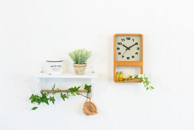 置くものにより時計全体の表情が違って見える新しいタイプの時計