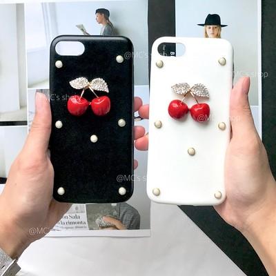 3Dチェリーがちょこん♡レトロ×甘辛なレザーiPhoneケース