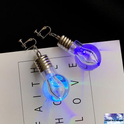 イベントにおすすめ☆フォトジェニックな電球ピアス