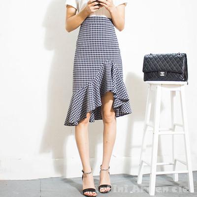 着るだけでスタイルが良く見え、今っぽいオシャレさが簡単に手に入る♡チェック柄フィッシュテールスカート