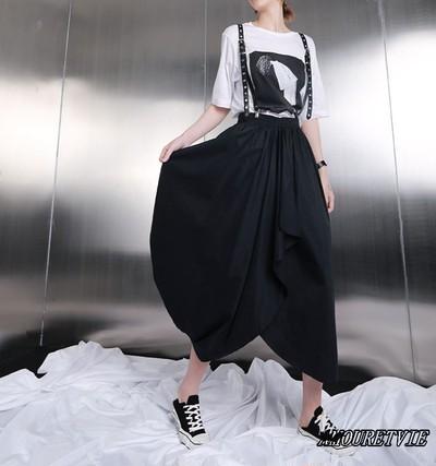 ダークな雰囲気&シックなのに可愛い一着!!変化に富んだスカートでオシャレにキマル♪