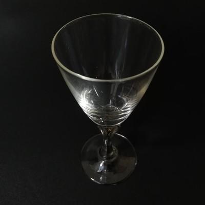 年代物の渋さが上品な大正時代のリキュールグラスをご紹介します
