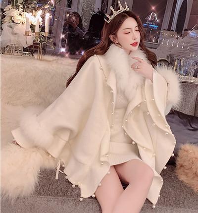 羽織るだけでお姫様気分♪パールケープコート