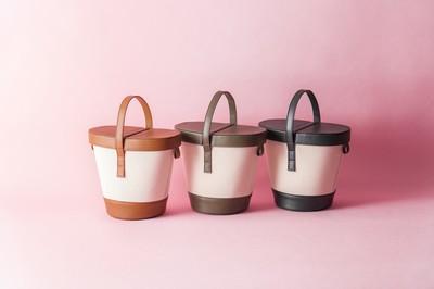 バケツバッグはキャンバス素材で人と差をつけて。